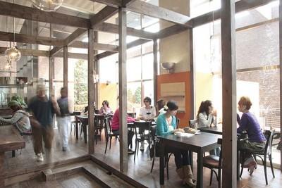 学内カフェ