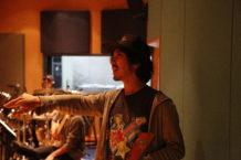 話題の MV を数多く手掛ける映像ディレクターの加藤マニさん来校! 特別講師 岩井郁人さんの MV を学内で撮影!